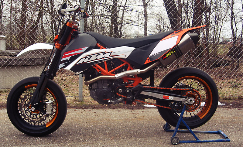 http://derestricted.com/wp-content/uploads/2011/02/ktm_smc_powerparts_wp_custom_03.jpg