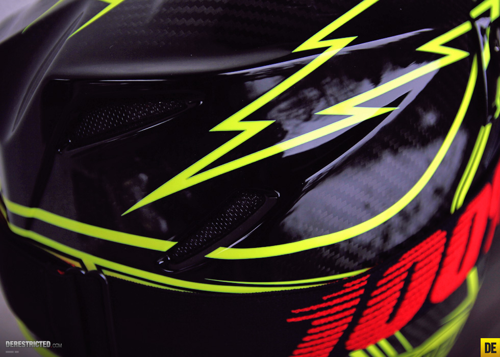 bell_moto_9_carbon_14