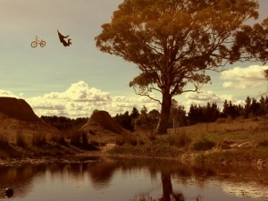 Crazy BMX Dirt Jump Session: Jaie Toohey, Cam White & Jed Mildon