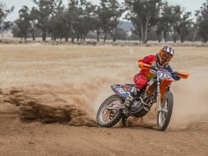 Tayla Jones World Champion 2013 ISDE Womens Hattah Desert Race Champion