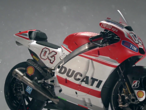 Ducati MotoGP Team 2014 – Shooting backstage video