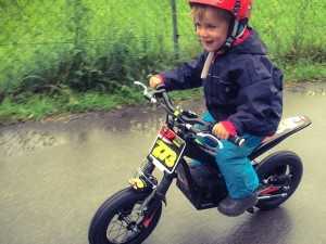 My boys 4th birthday, 1st motorbike and 1st ride. Fully stoked! @osetbikes #oset