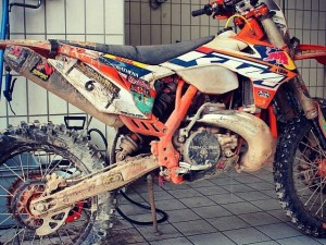 Considering this bike looks like this after having just raced and won erzberg with @jonnywalker_22 at the helm it actually still looks surprisingly good! #ktm #exc #enduro
