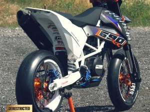 KTM SMC 690 RR  – Dario DEE Custom build.