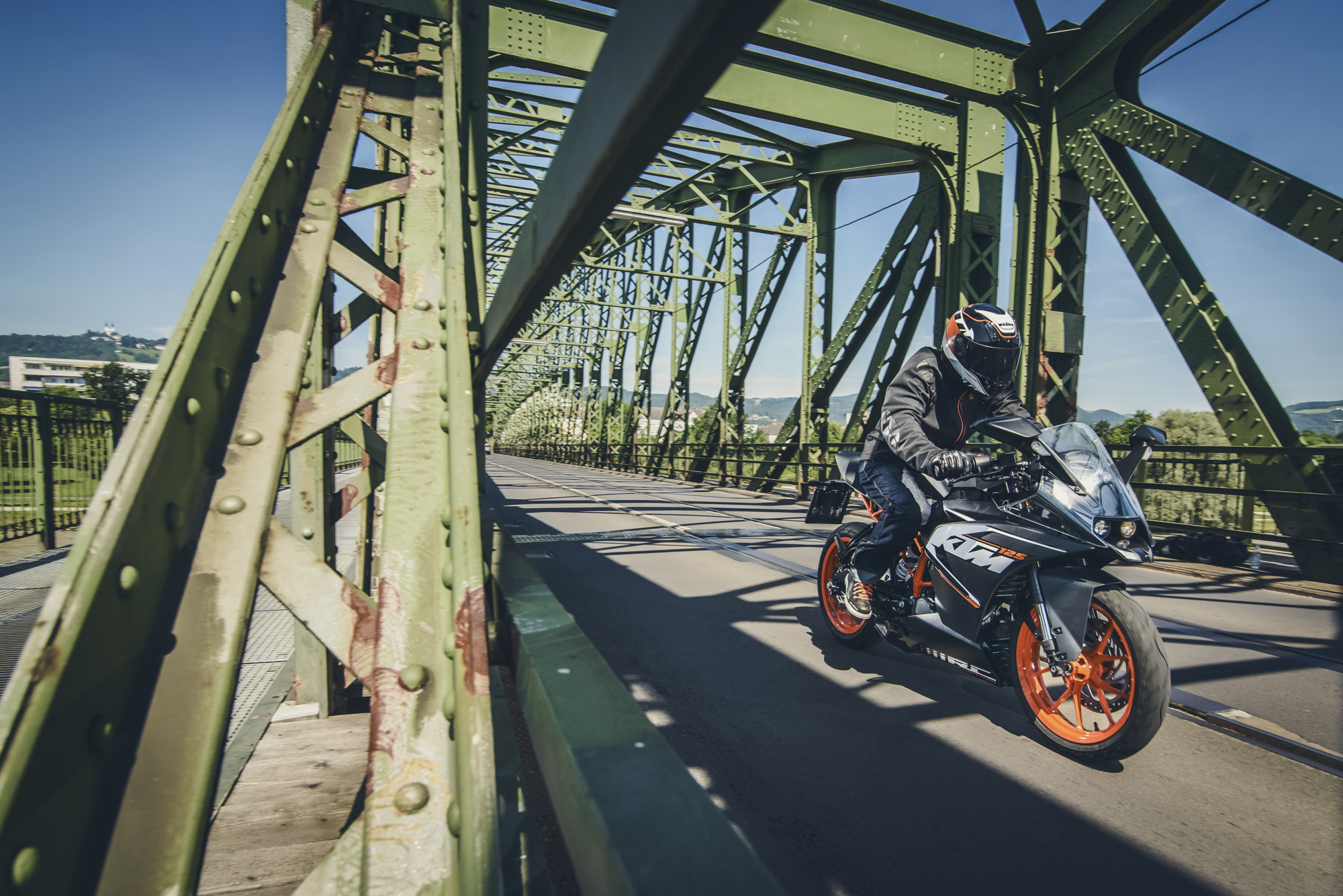 ktm-rc125-action20140802_0172