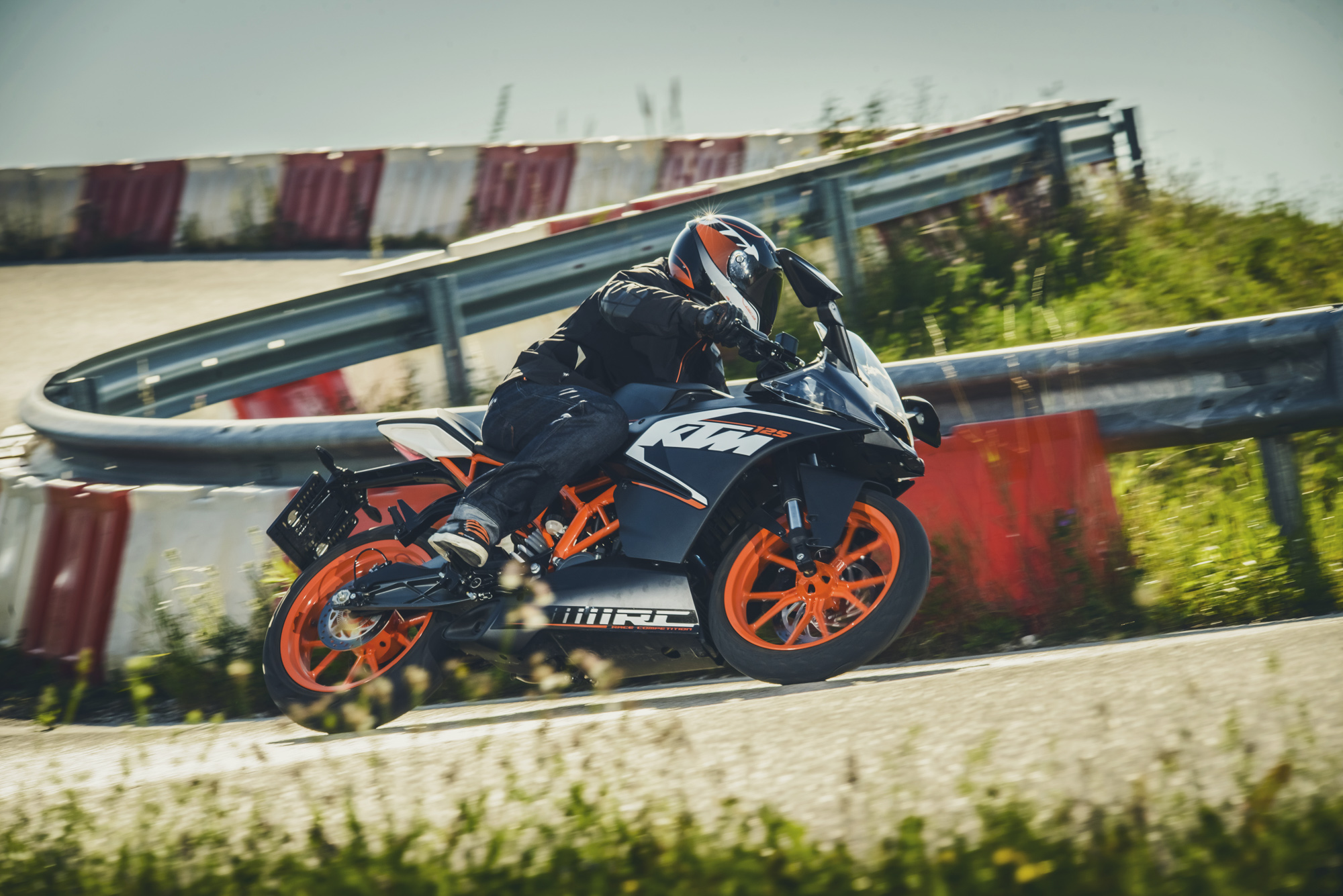 ktm-rc125-action20140802_0211