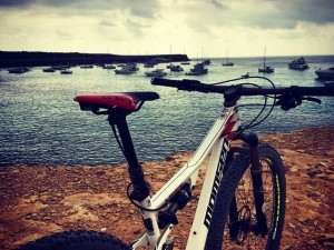 My 8th time here but first time with a bike. So fun to explore. Wouldn't mind a boat though!  #formentera @momsenbikes