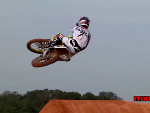 RAW: James Stewart Supercross Prep – Stewart Compound (MXPTV)
