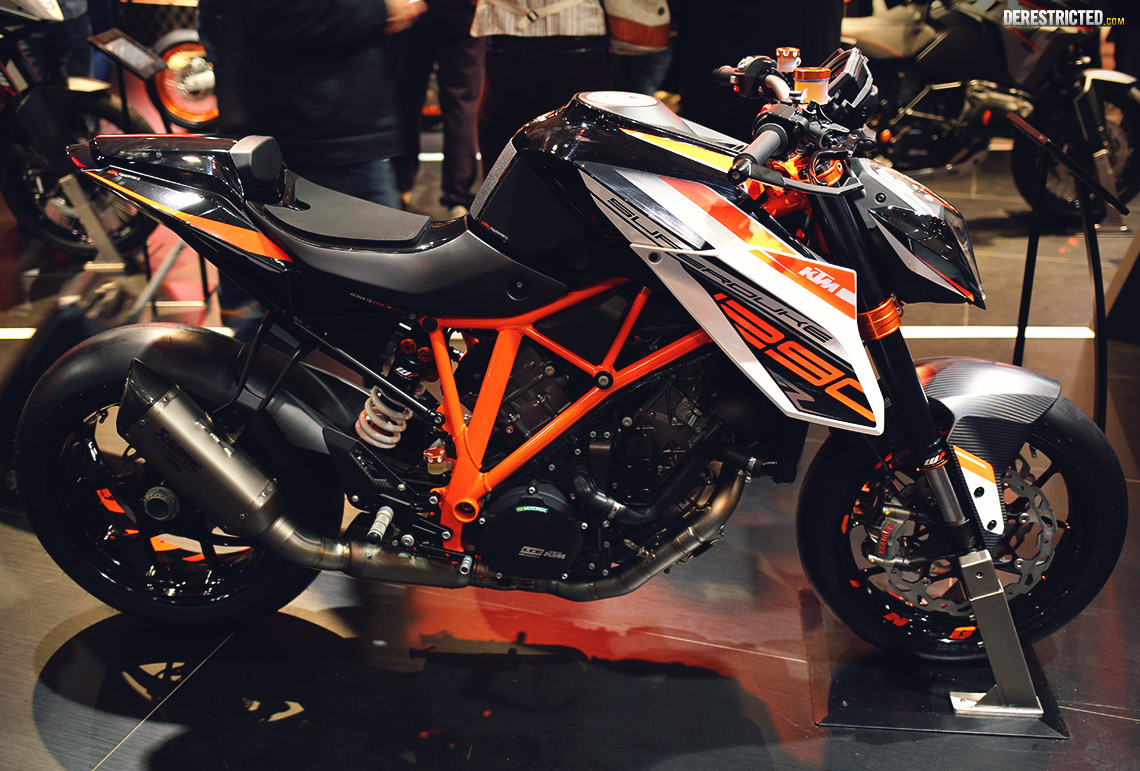 ktm 1290 superduke r powerparts bike at eicma derestricted. Black Bedroom Furniture Sets. Home Design Ideas