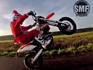 Santa Goes Supermoto! *Christmas special!*
