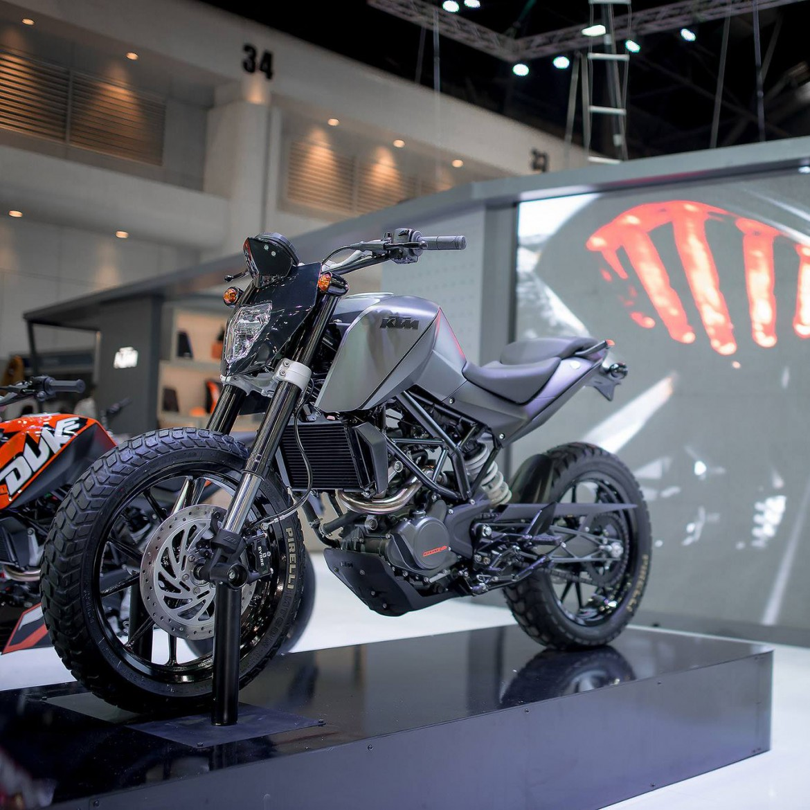 Custom Ktm Dukes Ktm Thailand At Motoexpo 2014 Derestricted