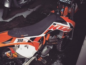 Still below freezing here but it looks like it might get quite a bit warmer this week, so it's time to get this badboy ready to go! #KTM #350sxf #fmf