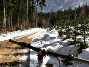 Now there's a sight for sore eyes! Finally some ground showing under the snow for the first time for months! #mtb #snow #inspiredbythemountains #VIPA