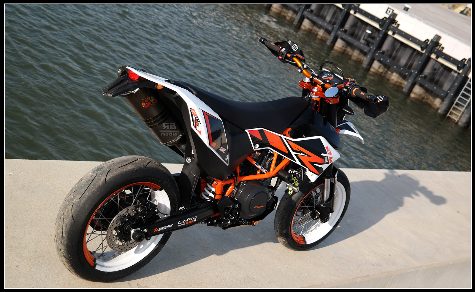 ktm 690 smc r custom rb media derestricted. Black Bedroom Furniture Sets. Home Design Ideas