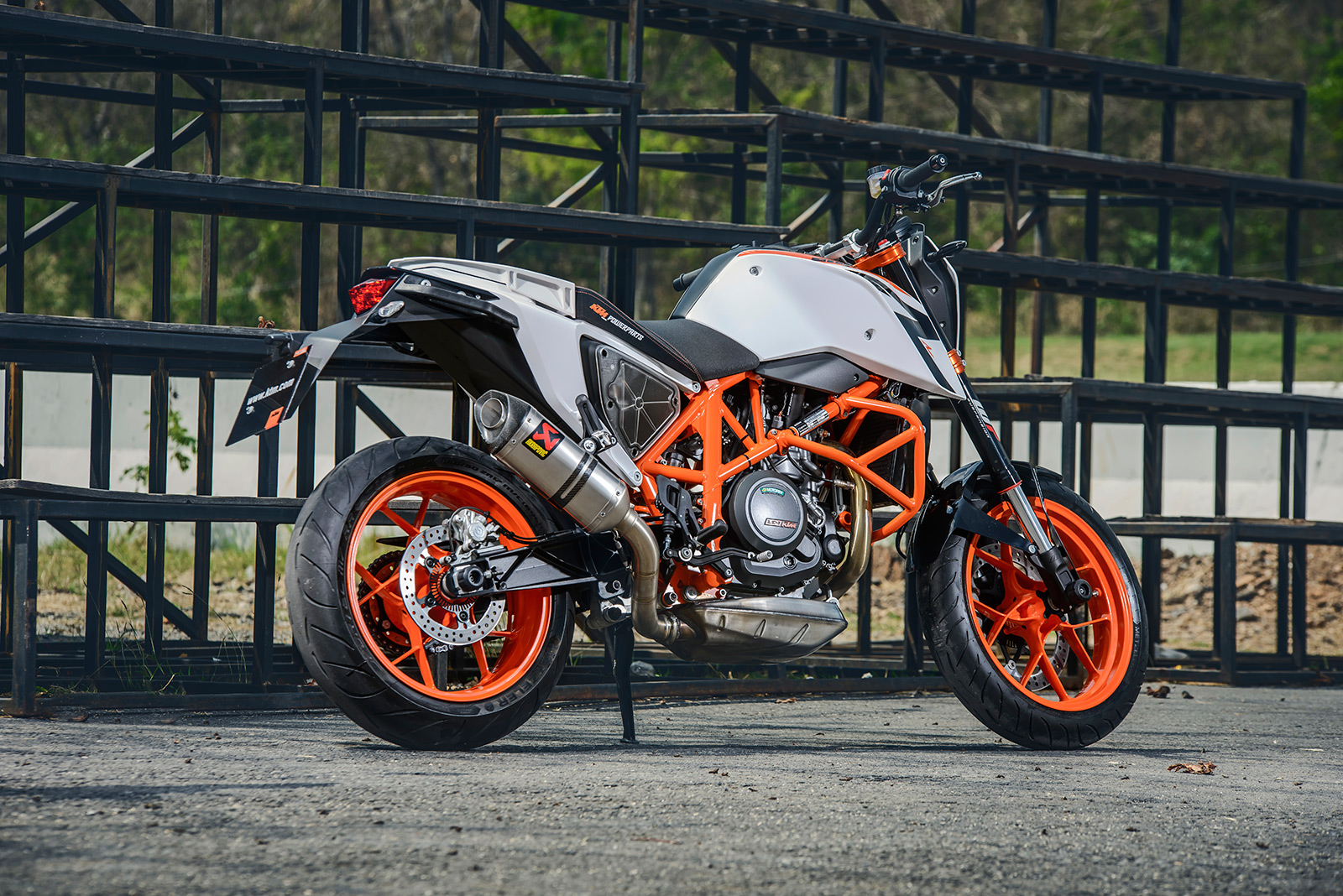 ktm 690 duke long term review 2017. Black Bedroom Furniture Sets. Home Design Ideas