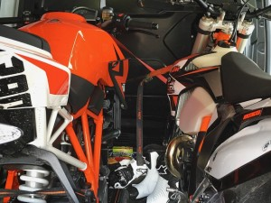 Off to Pannoniaring for a couple of track days with @1000ps.de and @speedyvelocity2000 ! #superduke #250exc #supermoto #ktm