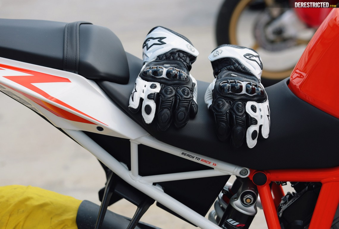 Motorcycle gloves review 2016 - Here Is The Official Info From Alpinestars More Can Also Be Found On Their Website Here Where You Can Also Pick Up Pair