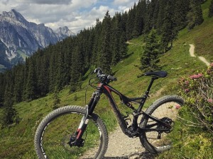 Day 1 on the new 2016  #Specialized #Stumpjumper  @enduromag X DE, long term test bike!