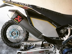Time for some new rubber. Getting the #husqvarna #fe350 prepped for #Romaniacs !!! Going to go and help cover the event for the organisers and do a lot of riding. Can't wait! #enduro