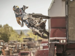 Moto Trials Riding in a Scrapyard