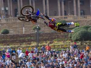 Tom Pagès Flawless 1st Place Run – Red Bull X-Fighters South Africa 2015