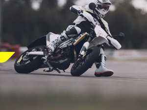 Husqvarna 701 SUPERMOTO – The Curve