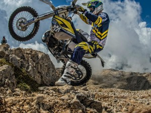 Enduro Racing Into the Sky – Day 3 Recap – Red Bull Sea to Sky
