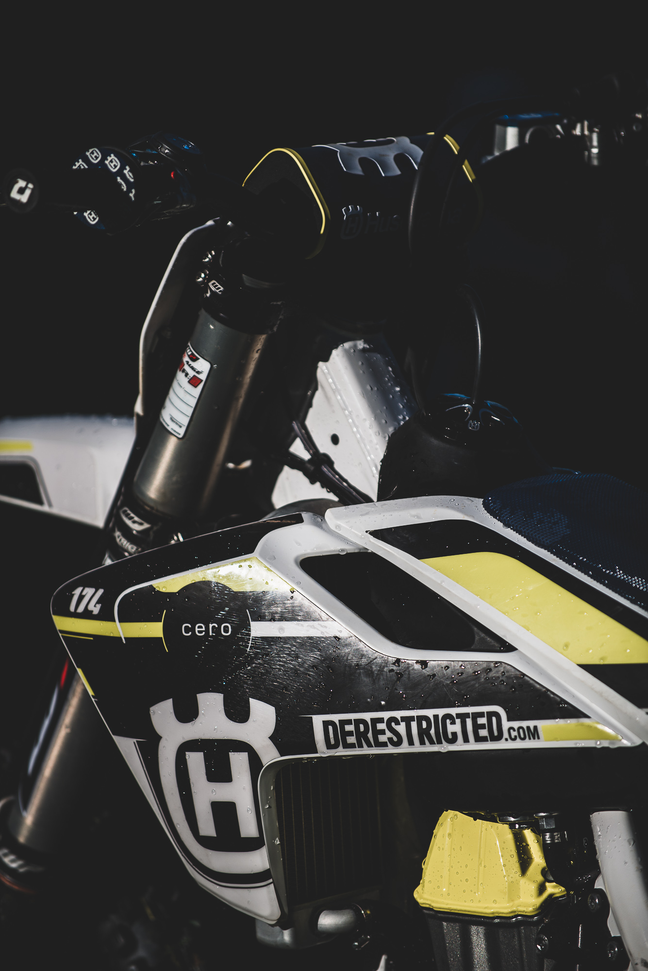 custom-graphics-husqvarna-fc450