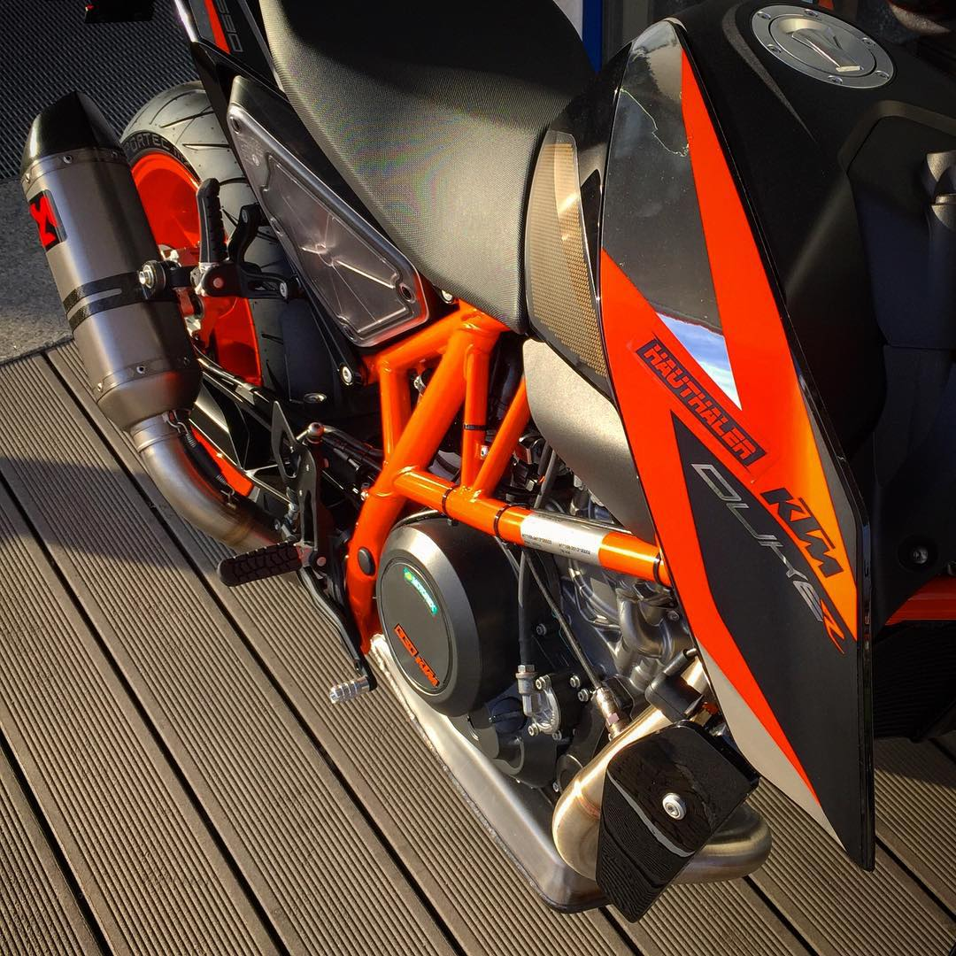 The new #ktm #690duke R is already available @ktmsalzburg #de_portfolio