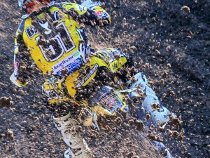 Don Wiech sent us this great photo he took of @justinbarcia roosting at the unadilla national this year. #yamaha #moto #motocross #alpinestars