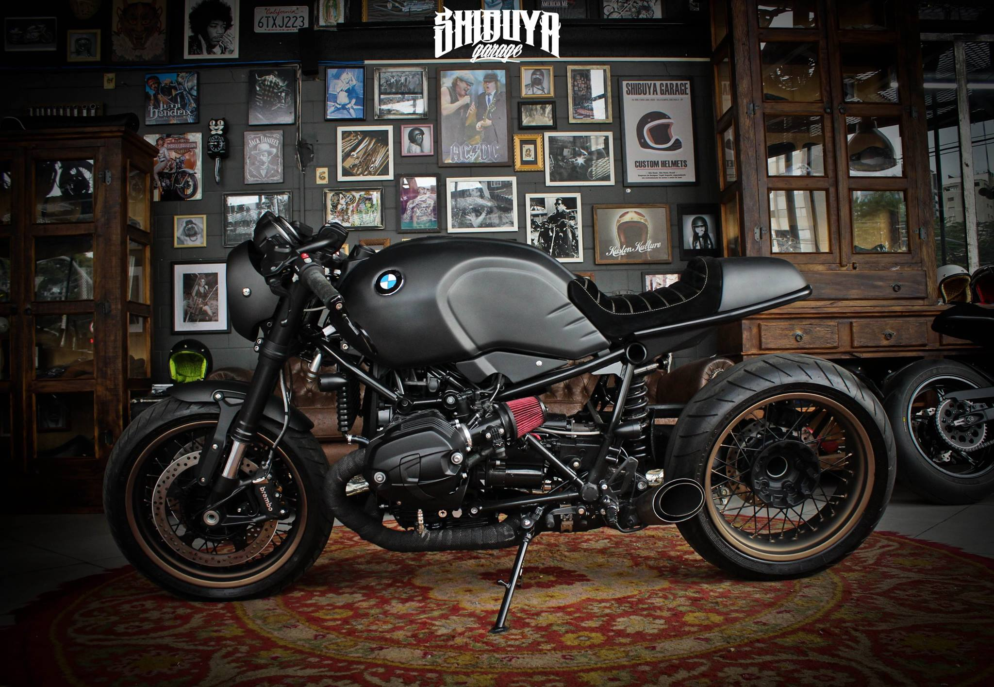 bmw ninet shibuya garage derestricted. Black Bedroom Furniture Sets. Home Design Ideas