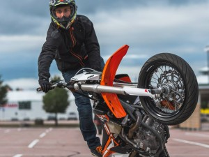 KTM SUPERMOTO STUNTS | 450 EXC & Freeride E 2015