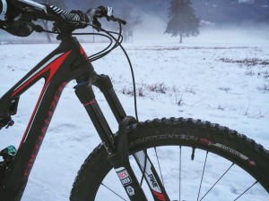 Absolutely brilliant ride in the #snow today! No need to stop riding just cos there is snow, it's actually surprisingly good fun to ride in :) #stumpjumperfsr #ride100percent #MTB
