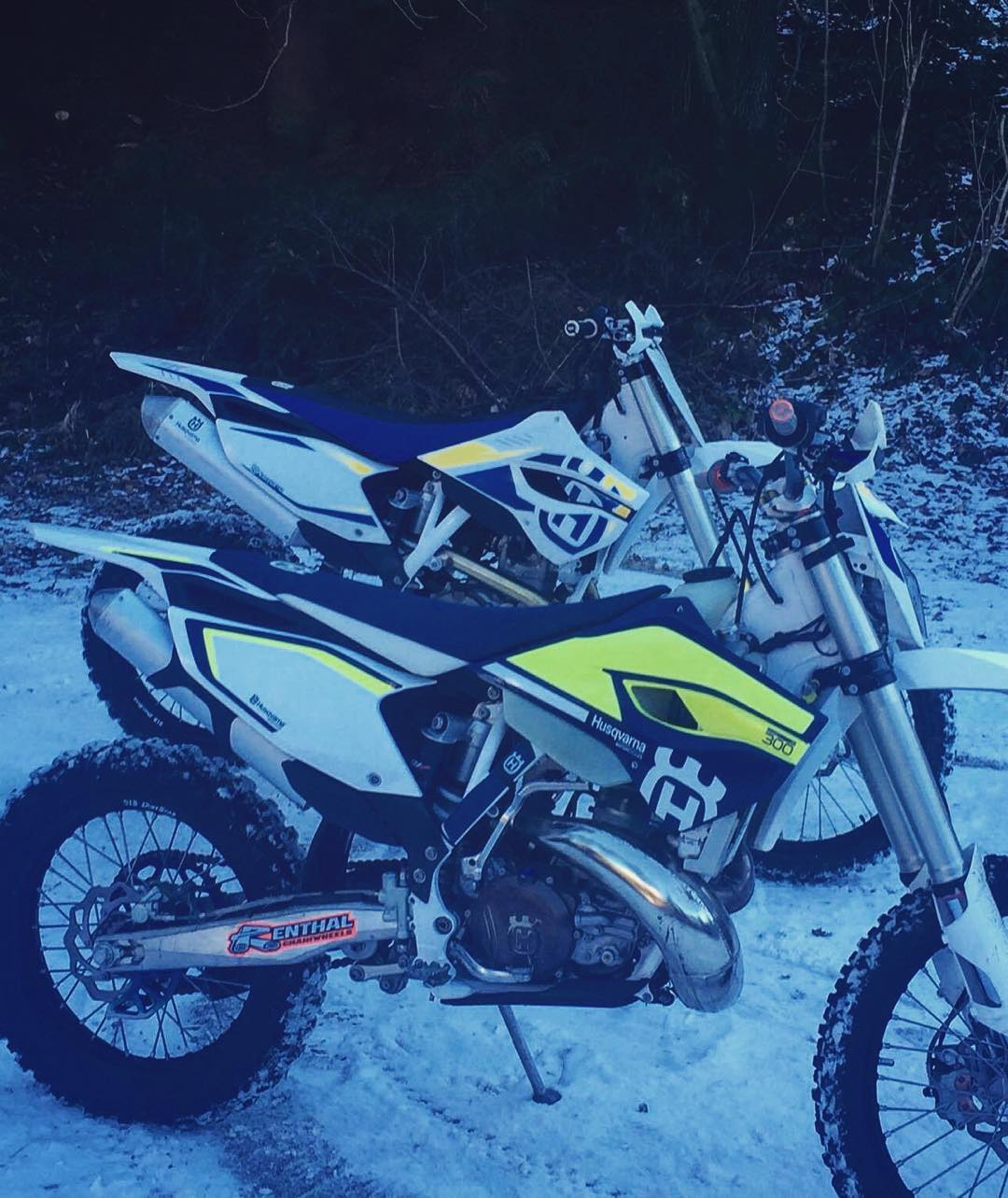 Nice photo sent to us from Marcel Rafetseder of his #husqvarna #Te300 and #Fc450 #enduro 's. #de_portfolio