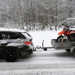 One of these days we really need to get a proper trailer! 🙈🌨 #KTM #350sxf #moto #BMW #f31 #xdrive #snow