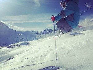 Messing around in zauchensee today on the side of the piste with my bro. Having fun with the small stuff :) #snow