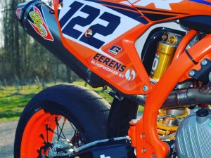 #ohlins Shock on the 2016 #KTM #supermoto by DWS Decals. sent to us by @supermofools @crashking_smf