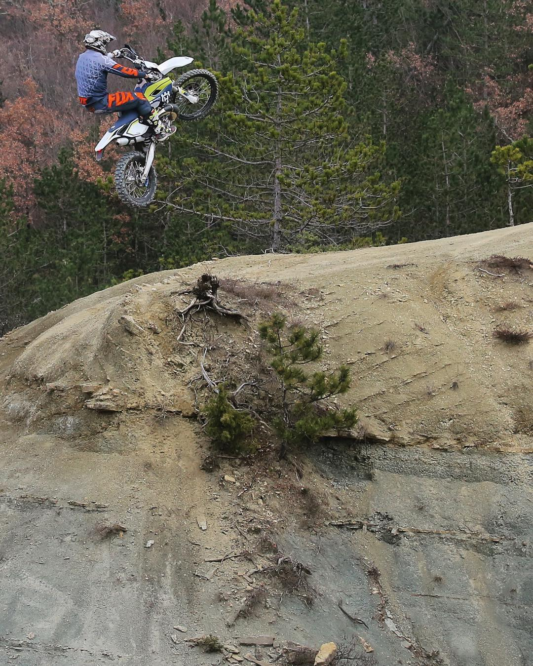 Kevin Gallas boosting off the top of a climb on his #Husqvarna #te300 ! @endurides #enduro #freeride #ride100percent
