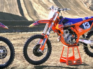 2016 KTM SX-F Factory Edition Bikes | First Impression