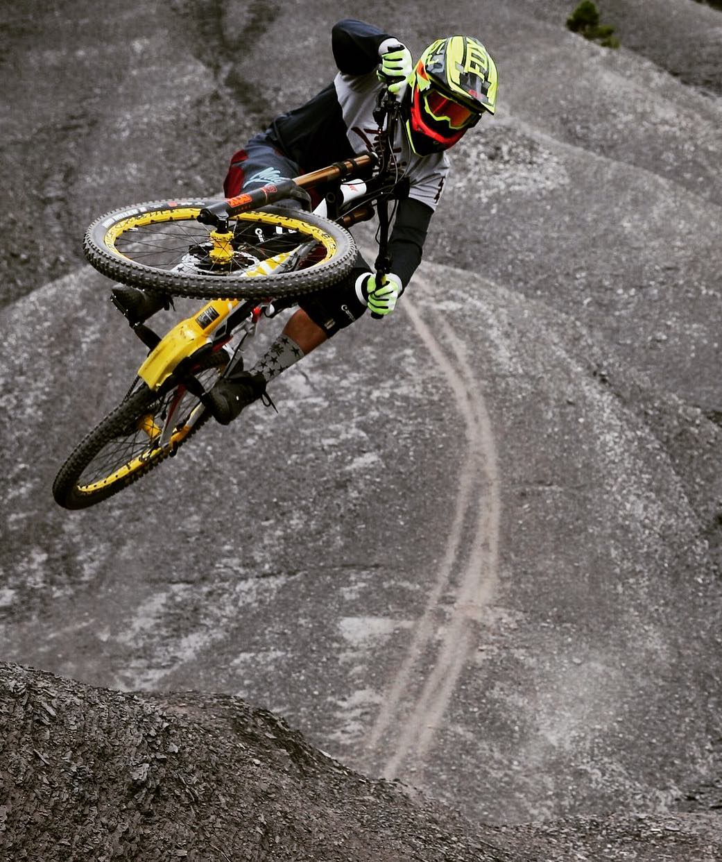 Martin Erd nailing this shot of @tschugg23 ! #DH #mtb #Haibike #bikes #eperformance #jump #mountainbike #xduro #bosch #ride100percent