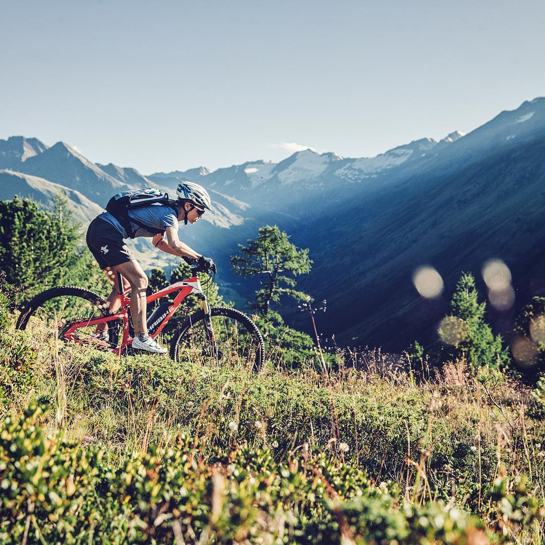 Killer shot by @martinerdphoto ! #xduro #girlswhoride #haibike #mtb #mountains #eperformance