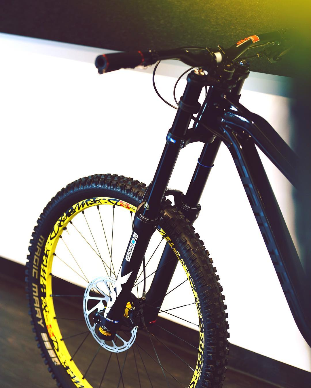 Super plush! New @srsuntour_inc 200mm #RUX fork. #haibike #dh #MTB