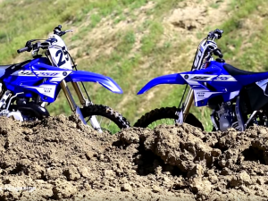 2016 Yamaha YZ 125 & YZ250 2 strokes head to head