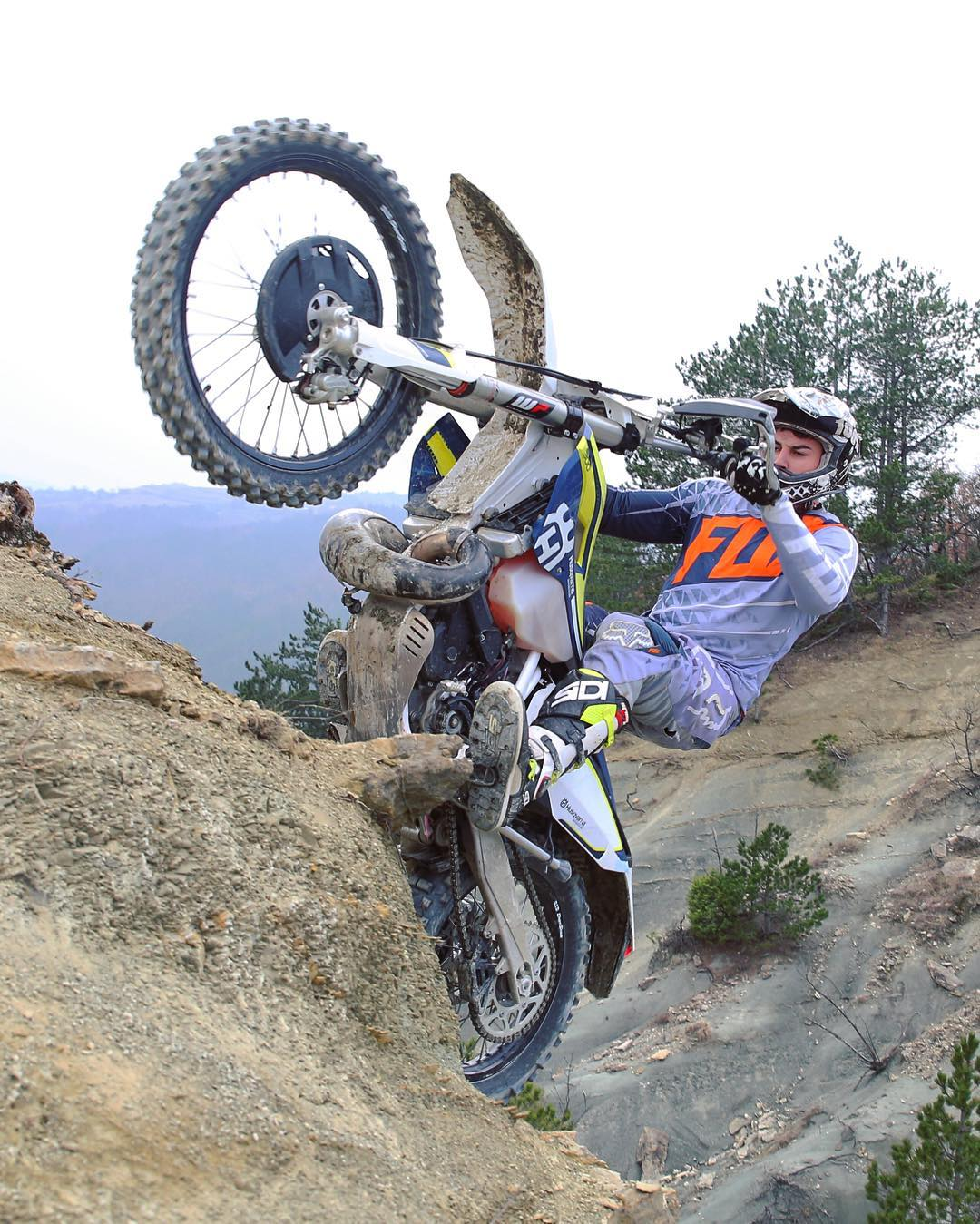 An over the top #wheeliewednesday from the archives, with Kevin Gallas and @endurides #husqvarna #te300 #enduro #de_portfolio