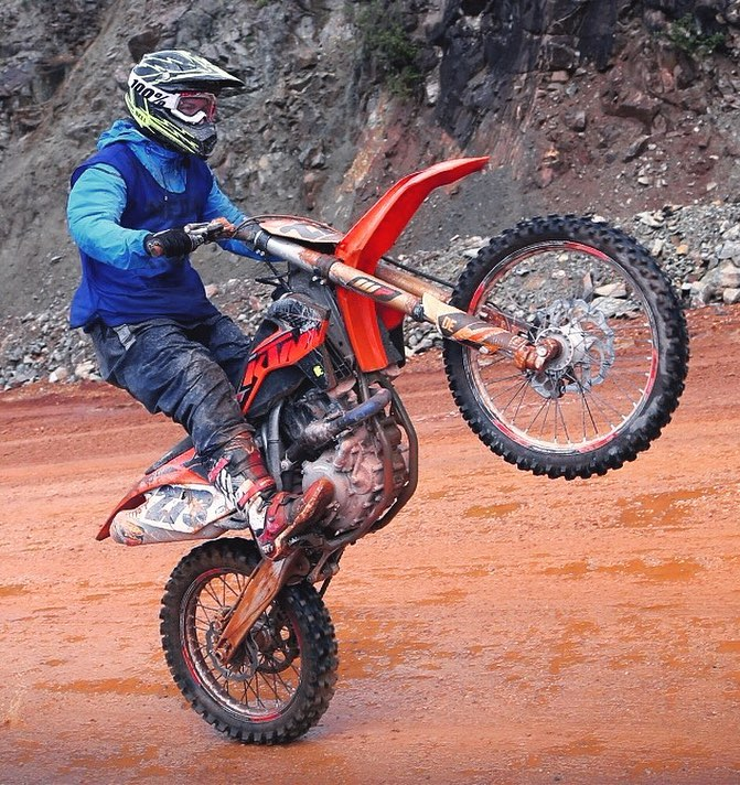 The Erzberg rodeo is starting next weekend so here is a throwback to the last one I went to! #KTM #450sxf #enduro #ride100percent