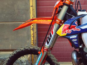 @hi_oktanowy has an in depth look at @taddyblazusiak 's #ktm #300exc with some great photos on his website.