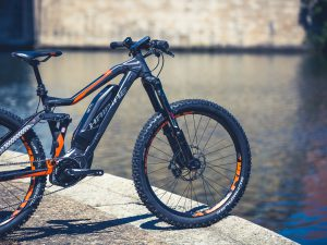 We took one of the new 2017 #SDURO evo's for a spin yesterday to see how well the new #Yamaha PW-X motor performed and were totally blown away with how well it can climb. Some spontaneous filming ensued! #MTN #emtb #haibike