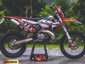 2017 KTM 300EXC – Custom graphics kit