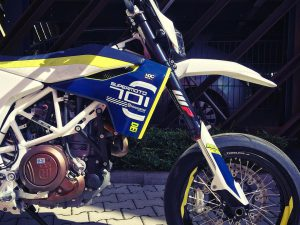 Taking it back to the streets! Our new ride for München, the #Husqvarna #701 #supermoto ! Review to follow eventually. We are pretty excited to say the least!