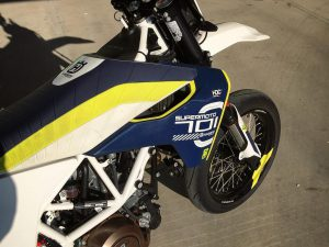 Need to find time to do a track day on this thing! #701 #supermoto #husqvarna @husqvarna1903